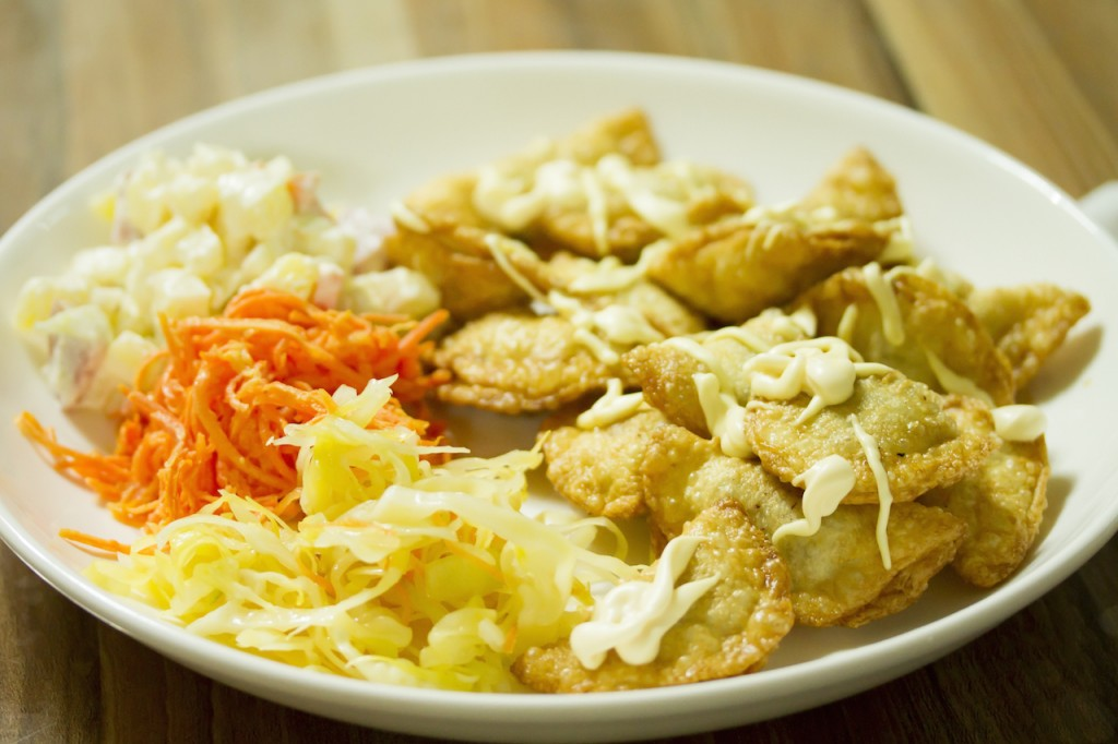 モンゴル伝統食である原生ネギの漬物